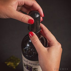 Wine Condom Fitting Neck of Wine Bottle